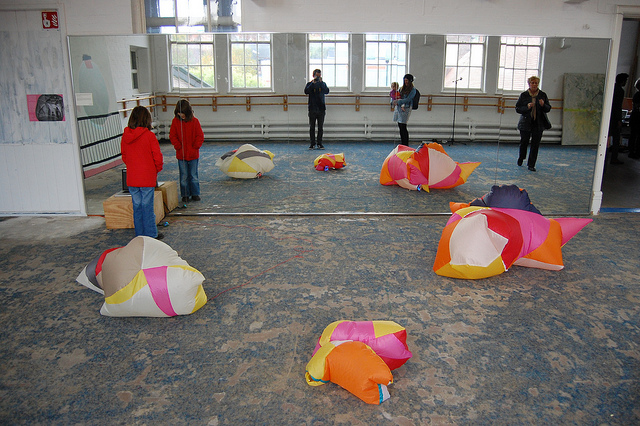 inflatible sculptures controlled by decibels and C02